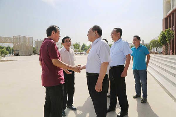 热烈欢迎济宁市儒家文化与企业发展协会领导莅临集团参观考察